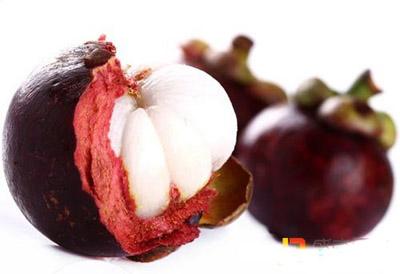 山竹被称为水果皇后营养价值丰富,可是山竹买回家怎么吃呢?
